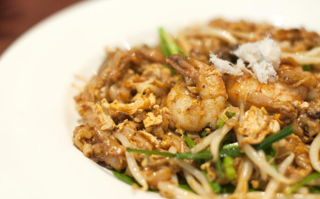 singapore chinatown food tour char kway teow