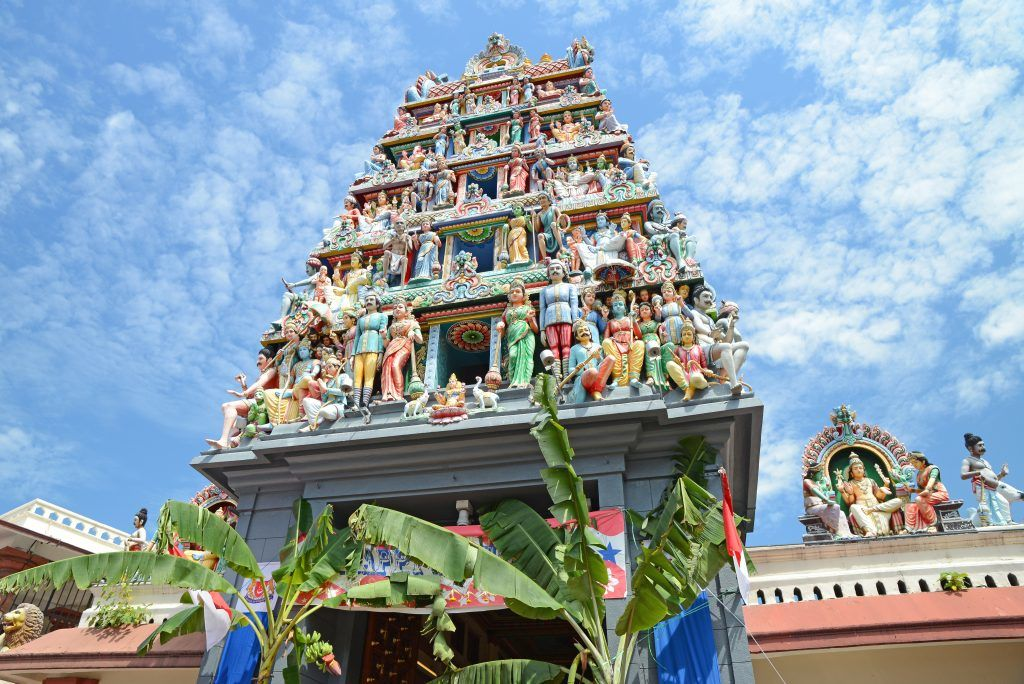 singapore chinatown walking tour sri mariamman temple